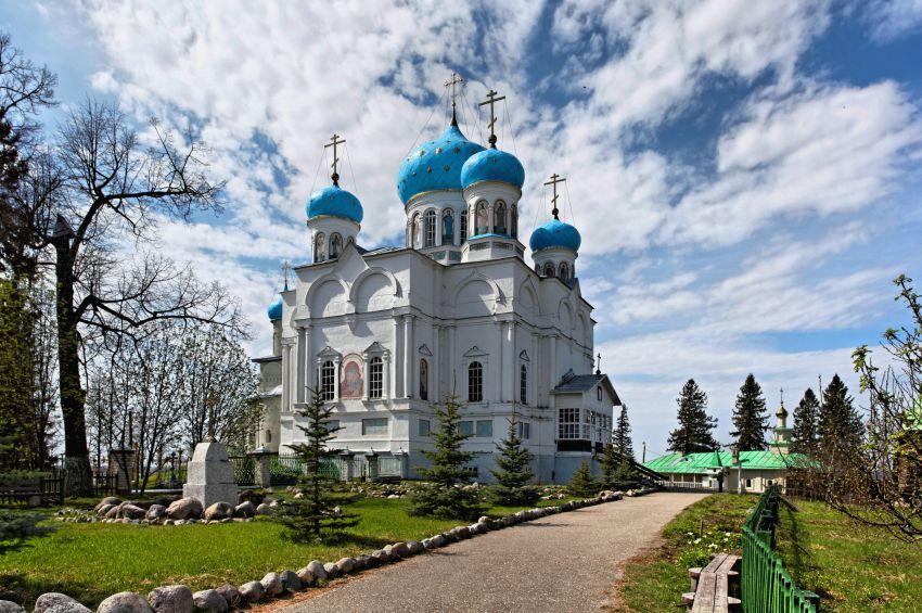 Картинки по запросу Авраамиево - Городецкий монастырь Костромской области.